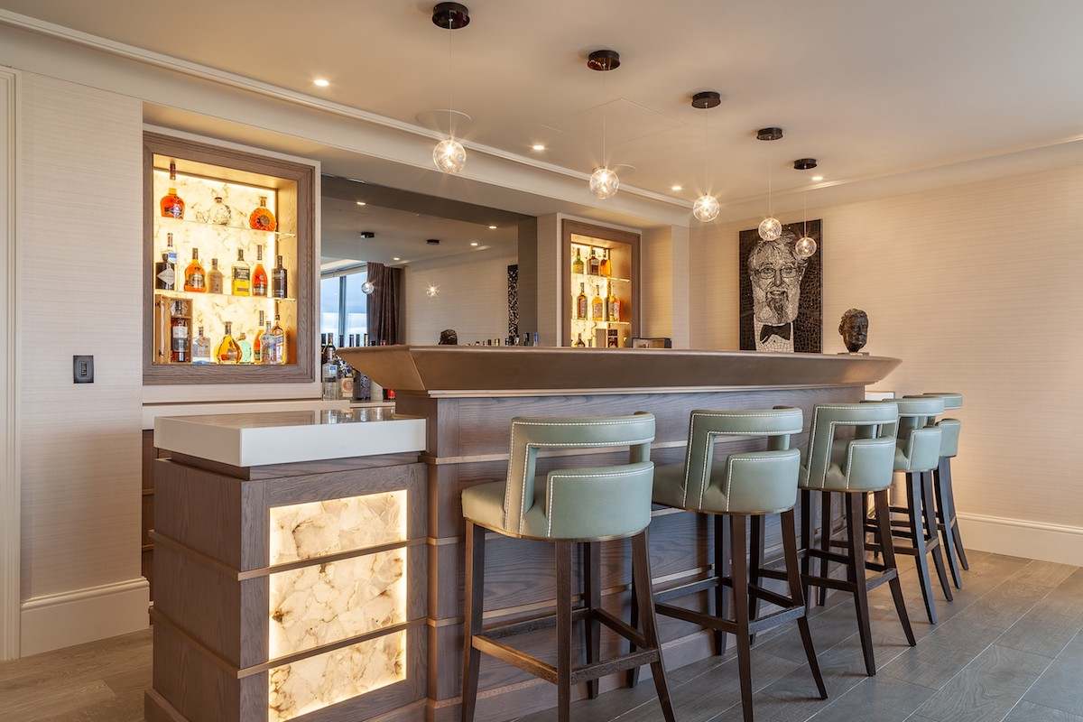 Grey Oak Bronze Bar - Prestbury, Cheshire